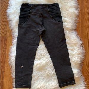 Lululemon Gray/Black Crops Size 4